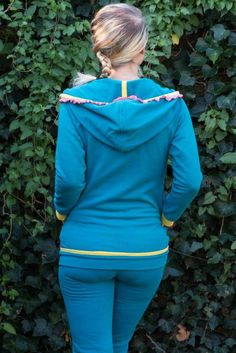 Paula, Raglanjacke/Sweatshirt mit Kapuze/Kragen, Kreativ-Ebook - farbenmix Online-Shop - Schnittmuster, Anleitungen zum Nähen  Jacket pattern