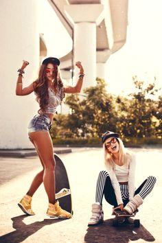 Skater girls by Andrew Bayda Girls Skate, Skater Look, Bmx Girl, Photos Bff, Skater Girl Outfits, Skate Style, Skateboard Girl, Beautiful Models, Skateboarding