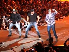Luke Bryan Country Girl (Shake it for me) 2-7-13 omg this is hilarious! I've gotta get me to one of his concerts!!