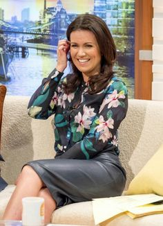 622f0841b6572 Sexy Susanna Reid Tight Pencil Skirt, Pencil Skirt Work, Susanna Reid Legs,  Black