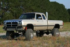 lifted 1st gen with stacks! WANT ONE