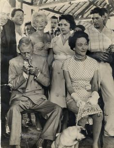 The Duke, the Duchess and one of their pugs: Wallis Simpson, Queen Mary, Queen Elizabeth Ii, Eduardo Viii, Edward Windsor, Famous Pictures, John Charles, Royal Blood, English Royalty