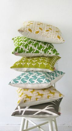 laMinx: New I'm obsessed with decorative pillows in interesting prints.I'm obsessed with decorative pillows in interesting prints. Bird Pillow, Deco Addict, The Design Files, Home And Deco, Home Living, Living Room, Soft Furnishings, Home Textile, Cushion Covers
