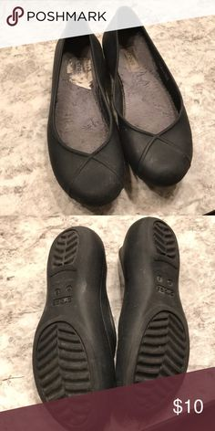 12138e36d84bf6  Crocs  Non-Slip Flats   Work Shoes EUC. Worn only bc I bought the wrong  size. Left shoe looks warped but these are a rubber flexible material and  they both ...