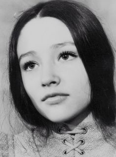 Olivia Hussey in Romeo and Juliet (directed by Franco Zeffirelli, Olivia Hussey, As Roma, Pretty People, Beautiful People, Beautiful Women, Zeffirelli Romeo And Juliet, Leonard Whiting, Old Film Stars, Retro Makeup