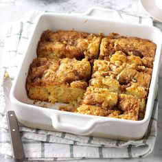 Apple Coffee Cake Recipe -Tart apples and sour cream flavor this moist coffee ca… – Kuchen Rezept Potluck Recipes, Fall Recipes, Dessert Recipes, Cooking Recipes, Casserole Recipes, Potluck Dishes, Pasta Dishes, Apple Desserts, Apple Recipes