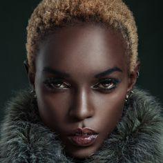 onlymoliehi: Ramona Fauziah Nanyombi wheeew, what a babe. Born in Uganda but based in Lagos, Nigeria. I keep seeing her on my twitter feed, I keep seeing this particular photo actually. BGKI - the #1 website to view fashionable & stylish black girls shopBGKI today