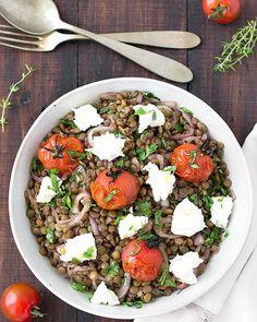 Mediterranean Warm Lentil Salad via @easyasapplepie