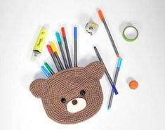 Bear Pencil Pouch Crochet Pattern Crochet Gratis, All Free Crochet, Crochet Bear, Learn To Crochet, Cute Crochet, Crochet For Kids, Crochet Hooks, Crochet Things, Irish Crochet
