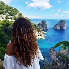 Can my hair please be like this 😭 Hair Inspo, Hair Inspiration, Adventure Is Out There, Wavy Hair, Hair Goals, Summer Vibes, Adventure Travel, Curly Hair Styles, Curls