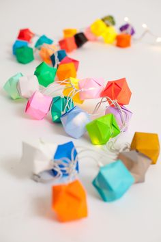DIY: blow box party lights