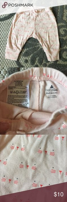 Baby gap baby girl pants cat print 0-3 mon pink Light pink baby girl pants from baby gap in good condition. Size 0-3 months. Has a super cute cat face print all over them. Light pink color. GAP Bottoms Sweatpants & Joggers