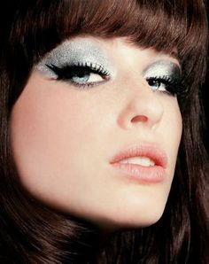 look outrageously rock de sephora. Sephora, Septum Ring, Eyeliner, Rock, Makeup, Hairstyles, Stacked Bob Haircuts, Falling Down, Foundation