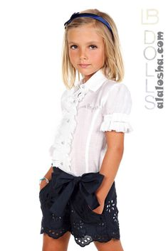 ALALOSHA is your guide to developing your kid unique personal style. Cute Toddler Girl Clothes, Cool Kids Clothes, Young Fashion, Fashion Kids, Outfits Niños, Kids Outfits, Short Niña, Little Kid Fashion, Laura Biagiotti