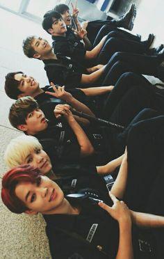 Yoomin vkook y namjin Y. Kpop Love, I Love Bts, Bts Jimin, Bts Bangtan Boy, Taehyung, Billboard Music Awards, Foto Bts, K Pop, Bts Group Photos