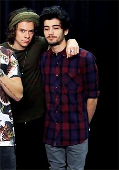 little secrets Zayn: y/n is gorgeous. She's gonna be a beautiful bride have you asked her yet? Harry: no. I'm waiting till tonight.