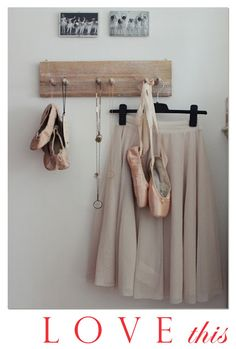 vintage pointe shoes and ballet skirt Pointe Shoes, Ballet Shoes, Toe Shoes, Dancers Pointe, Ballet Wear, Dancers Body, Ballet Skirt, Grands Ballets Canadiens, Nude Colors