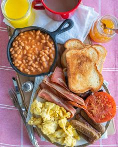 Likes, 112 Comments - Candice Breakfast Desayunos, Breakfast Platter, English Breakfast Recipes, Breakfast Names, English Breakfast Traditional, Scrambled Tofu Recipe, Edgy Veg, Food Crush, English Food