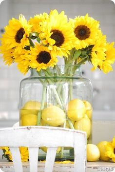 Lemon Centerpieces with beautiful sunflowers for a yellow wedding! Lemon Centerpieces, Sunflower Centerpieces, Wedding Centerpieces, Wedding Table, Sunflower Bouquets, Wedding Ideas, Centerpiece Ideas, Wedding Decorations, Simple Centerpieces