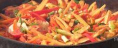 Verduras a la plancha:  Cortar las verduras adecuadamente (las alcachofas y setas en laminas, los pimientos partidos por la mitad y calabacines en rodajas con piel). Calentar la plancha al máximo y colocar las verduras encima. Bajar a fuego medio. Vigilar las verduras ya que algunas se harán antes que otras. ¡Fácil y sano! #recetas