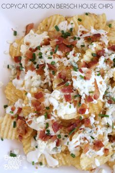 Better than your favorite loaded fries, these Copycat Gordon Biersch House Chips are one of my all time favorite restaurant appetizers! Yummy Appetizers, Appetizers For Party, Appetizer Recipes, Bacon Recipes, Copycat Recipes, Cooking Recipes, Easy Dinner Recipes, Easy Meals, Fun Recipes