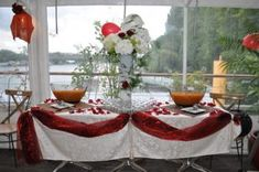 Location bateau réception IdF | Votresalledemariage.Com Location Bateau, Épinay Sur Seine, Table Settings, Table Decorations, Home Decor, Indoor Wedding Venues, Honeymoon Night, Boats