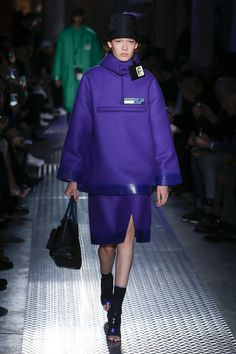 The complete Prada Fall 2018 Menswear fashion show now on Vogue Runway.