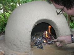 The Story of a Cob Pizza Oven, Told in Pictures. Pizza and homemade bread are absolutely fabulous when baked in a cob oven. They're easy enough to build and you'll get real dirty and have a lot of fun building one!