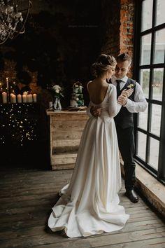 Satin Wedding Dresses Two piece wedding dress Ball gown wedding dress Bohemian Bohemian Wedding Dresses, White Wedding Dresses, Wedding Gowns, Bohemian Hair, Wedding Lace, Hair Wedding, Mermaid Wedding, Wedding Bride, Ball Dresses
