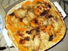 EENSKOTTEL HOENDER EN RYS GEREG... EENSKOTTEL HOENDER EN RYS GEREG  Gebruik 'n oondskottel met deksel,  1 kop rou rys, 1 ½ – 2 kop gemengde gevriesde groente (klein blokkies wortels, mielies, ertjies en boontjies mengsel)  pak hoenderporsies,  1 groot ui in ringe gesny,  1 klein blik perskeskyfies met sous,   ¼ kop blatjang, 1 pakkie sampioen of wit uiesoppoeier aangemaak met 500 ml water Sout en peper na smaak.  Metode: Gooi 1 kop rou rys onder in 'n gesmeerde oondbak wat sy eie deksel het.