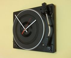 Turntable Wall Clock. #music #turntable #clock http://www.pinterest.com/TheHitman14/music-paraphenalia/