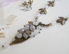 Set - colier si cercei - lacramioare de jad alb Brooch, Jewelry, Fashion, Moda, Jewlery, Jewerly, Fashion Styles, Brooches, Schmuck
