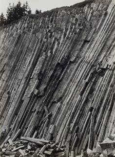 Albert Renger-Patzsch, Basalt in der Eifel (aus der Serie: Gestein), 1962, Auktion 1068 Photographie, Lot 27