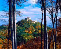 Hrad Buchlov – krajinná dominanta přírodního parku Chřiby