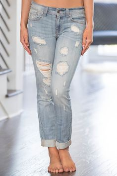 The Mia Light Wash Distressed Jeans - The Pink Lily