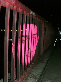 grafitti art berlin, amnesty international