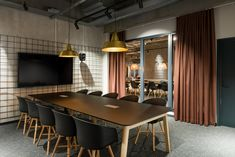 Bright office design by dSign Vertti Kivi. Bright Office, Offices, Conference Room, Table, Furniture, Design, Home Decor, Decoration Home, Room Decor