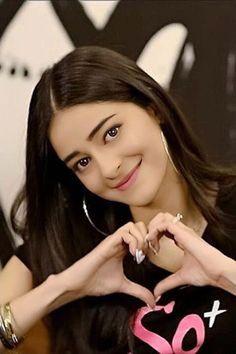 Indian Actress Photos, Indian Bollywood Actress, Bollywood Girls, Beautiful Bollywood Actress, Bollywood Celebrities, Beautiful Actresses, Bollywood Fashion, Beautiful Blonde Girl, Beautiful Girl Photo
