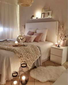 Best Ideas For Home Decor Modern Living Room Decor - How can I make my house look modern? Modern Living Room Decor - What are the new colors for Cute Bedroom Ideas, Room Ideas Bedroom, Home Decor Bedroom, Bedroom Art, Bedroom Designs, Bedroom Inspiration, Bedroom Apartment, Decoracion Habitacion Ideas, Inspire Me Home Decor