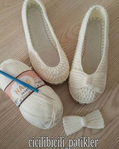 Captivating Crochet a Bodycon Dress Top Ideas. Dazzling Crochet a Bodycon Dress Top Ideas. Diy Crochet Halter Top, T-shirt Au Crochet, Crochet Car, Crochet Slipper Pattern, Crochet Sandals, Crochet Boots, Crochet Shirt, Crochet Slippers, Cute Crochet