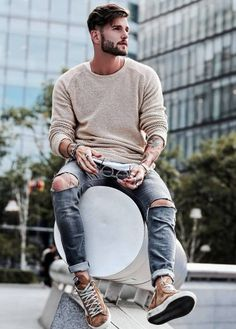 30 Cool Ripped Skinny Jeans Ideas For Men You Should Try Men With Street Style, Street Style Summer, Best Poses For Men, Long Sleeve Sweater, Men Sweater, Outfits Tipps, Cooler Style, Photography Poses For Men, Shoes With Jeans