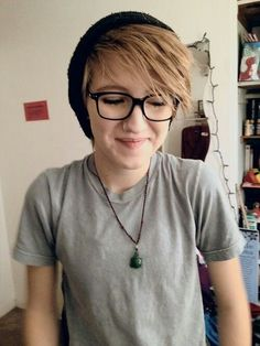 SUPER CUTE ANDROGYNOUS HAIR STYLE!!