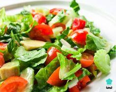 Ensalada de apio, tomate y aguacate - fácil