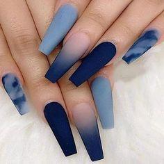 Trendy nails gris bleu et nuageux . How CUTE Bling Acrylic Nails, Acrylic Nails Coffin Short, Simple Acrylic Nails, Summer Acrylic Nails, Coffin Shape Nails, Best Acrylic Nails, Best Nails, Blue Coffin Nails, Glitter Nails