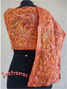 Echarpe laranja 1. https://www.facebook.com/pages/Isatramas-Xales-e-echarpes-exclusivos/590368821074549