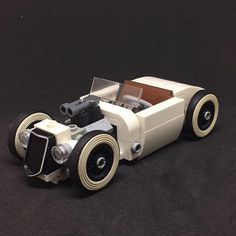 LEGO LEGOS  NEW Tricycle w// DBG Chassis /& White Wheels