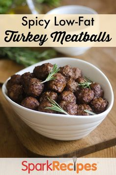 Spicy Low Fat Turkey Meatballs Recipe. Do you loooooove meatballs? Then this spicy turkey meatball recipe is for you! | via @SparkRecipes
