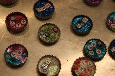 a vibrant life: Bottle Cap Crafts