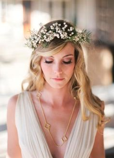 seriously contemplating this greenery crown thing with loose/random hair