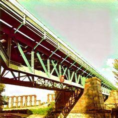 Puente del ferrocarril sobre el Albarregas y acueducto de Los Milagros. #Mérida #prisma